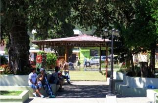 boquete-town-square-3-7-2016-2-50-58-pm